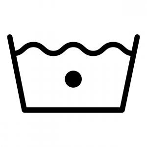 Символ на ярлыке – наполненное водой корыто с жирной точкой в центре – стирка в прохладной воде
