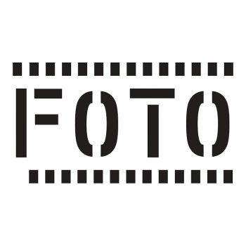 Слово FOTO на фоне фотоплёнки